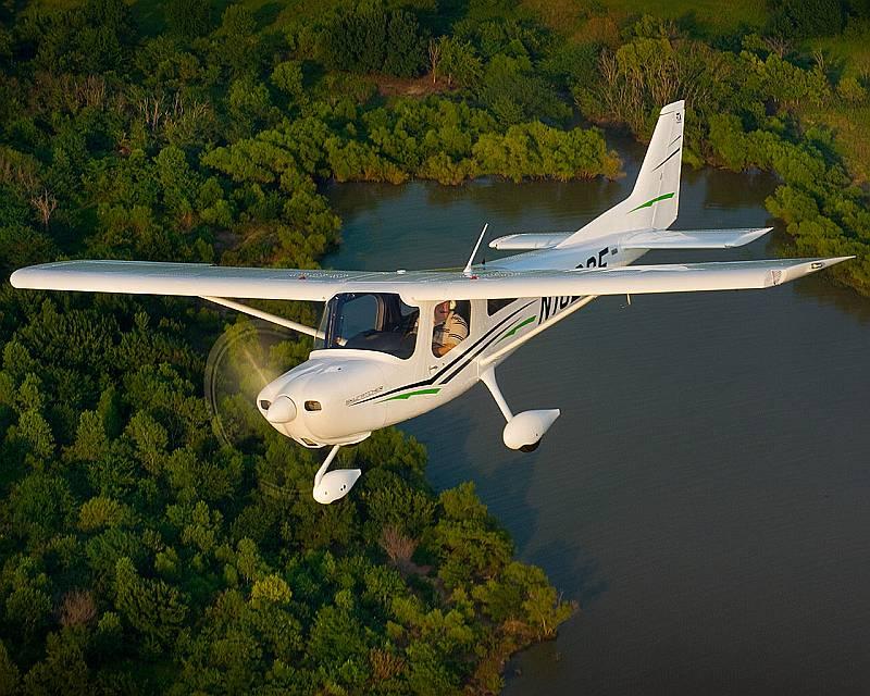 Cessna 162 SkyCatcher (Cessna)