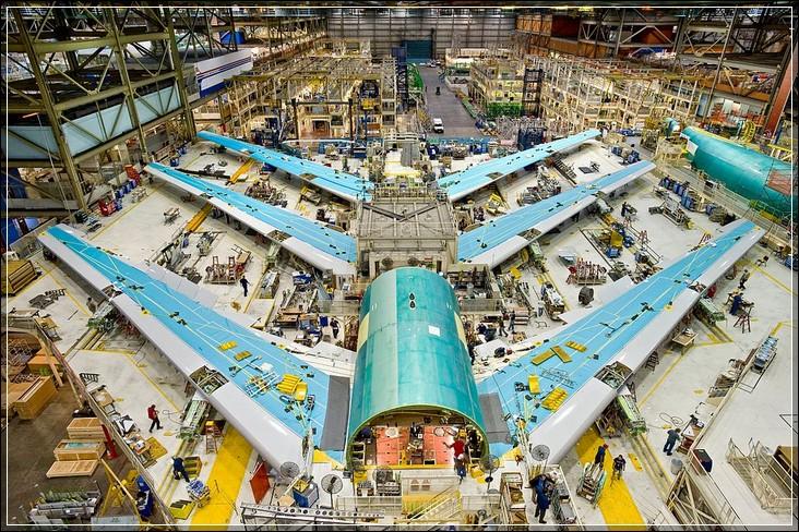 Сборка тестовых самолетов Boeing 747-8